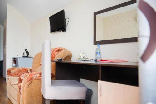 стандарт с двумя кроватями кресло