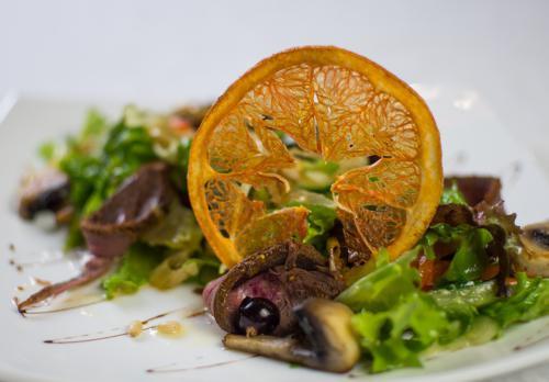 Салат из подкопченой оленины с кедровым орехом вид 2